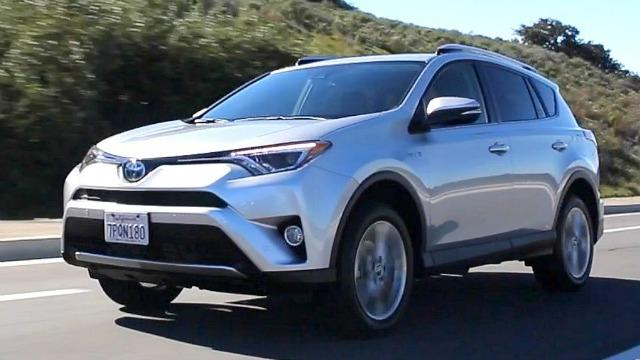 compact suv buyer s guide   kelley blue book