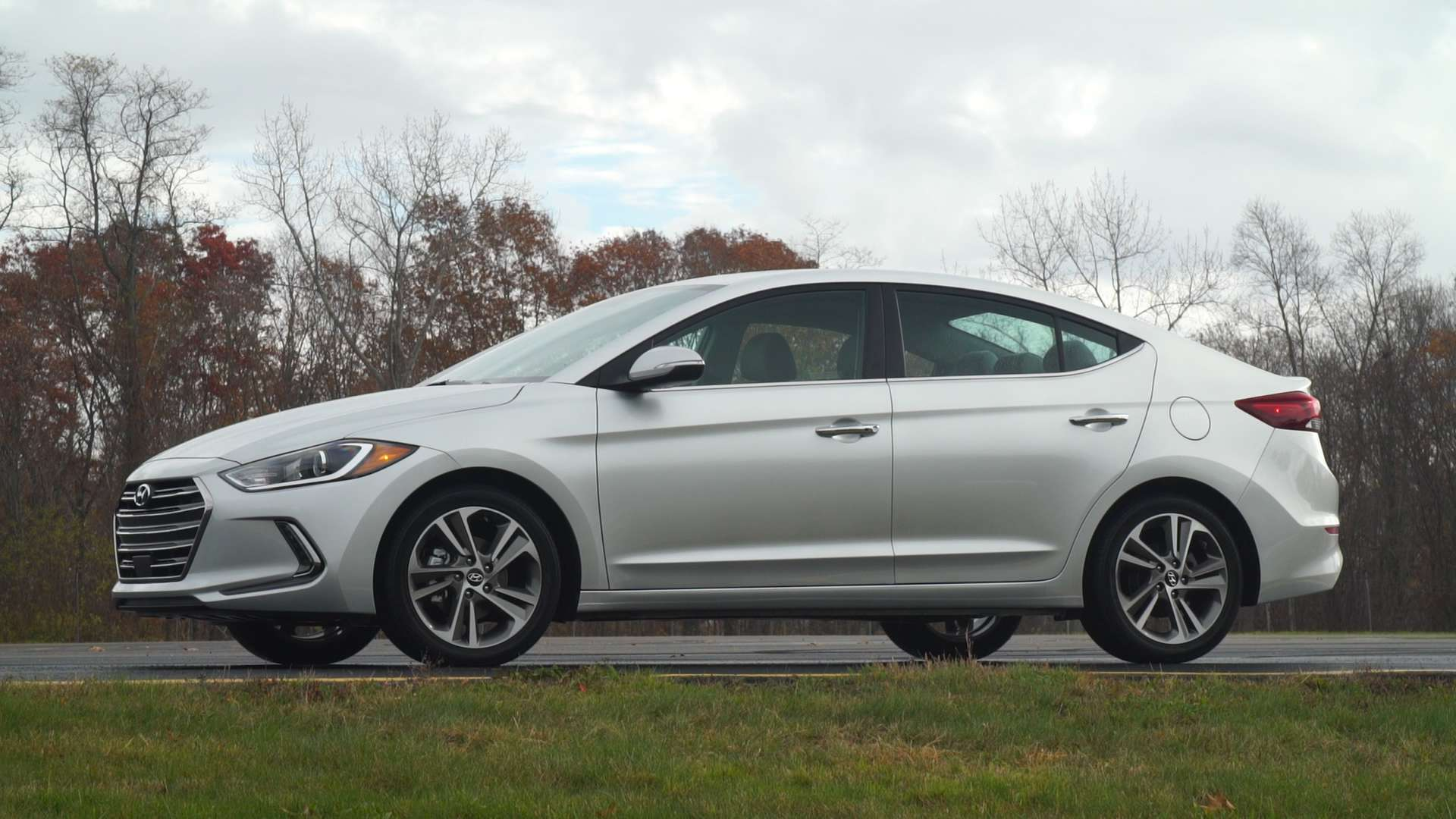2017 hyundai elantra reviews ratings prices consumer reports