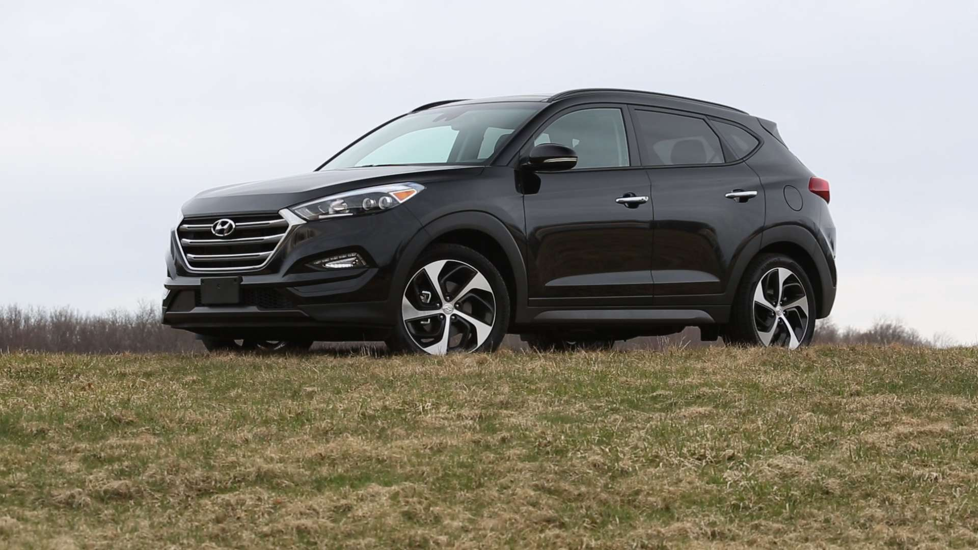 2016 Hyundai Tucson Reviews and Rating | Motor Trend |Orange Hyundai Tucson 2016