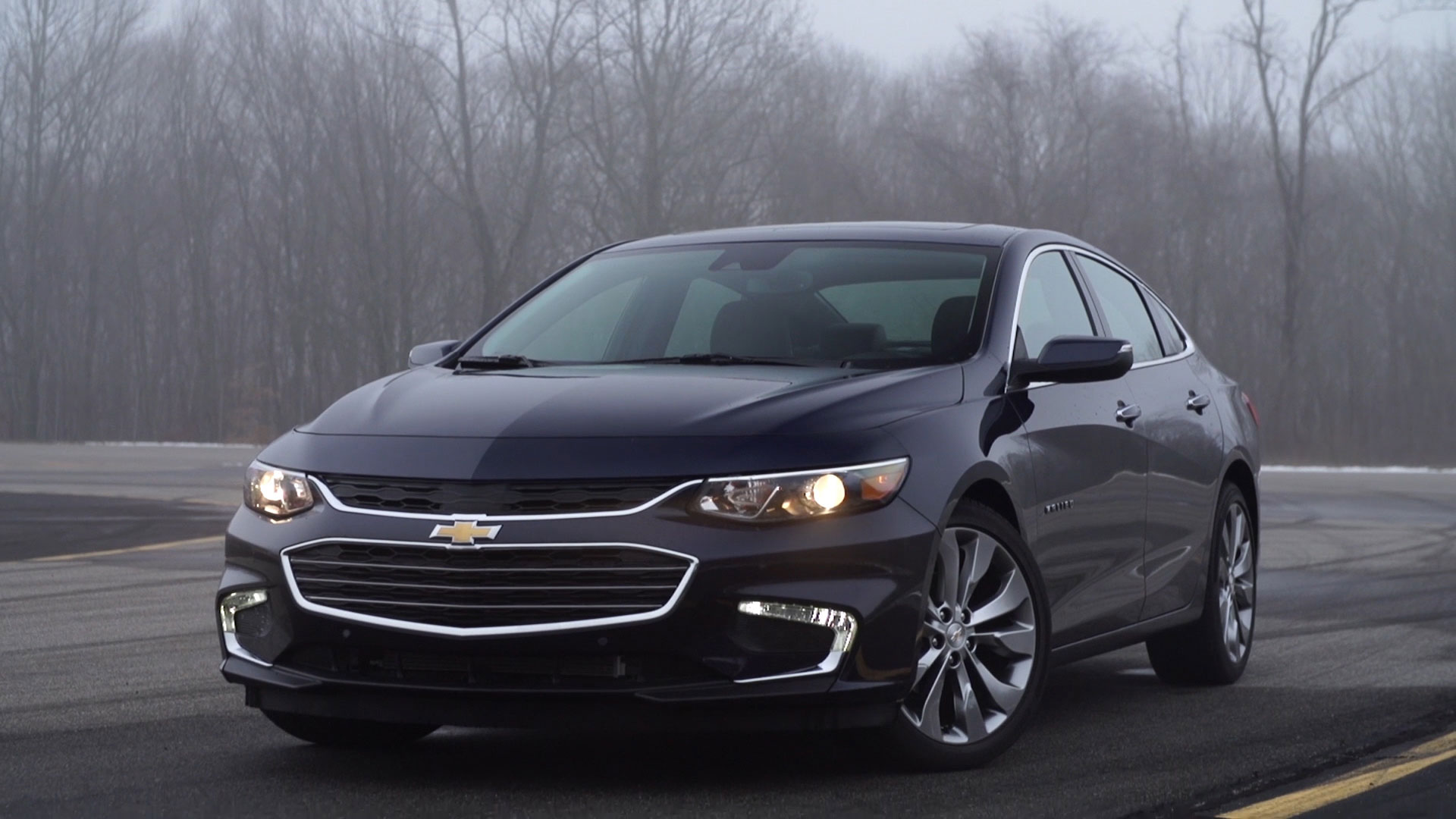 redesigned 2016 chevrolet malibu sings consumer reports. Black Bedroom Furniture Sets. Home Design Ideas