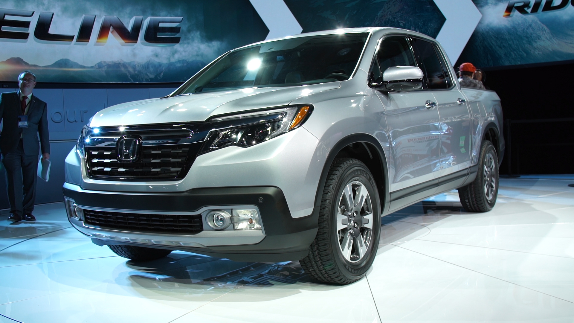2017 Honda Ridgeline Pickup Truck Looks Conventional But