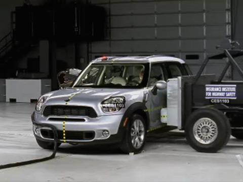 mini cooper countryman 2011 2014 road test. Black Bedroom Furniture Sets. Home Design Ideas