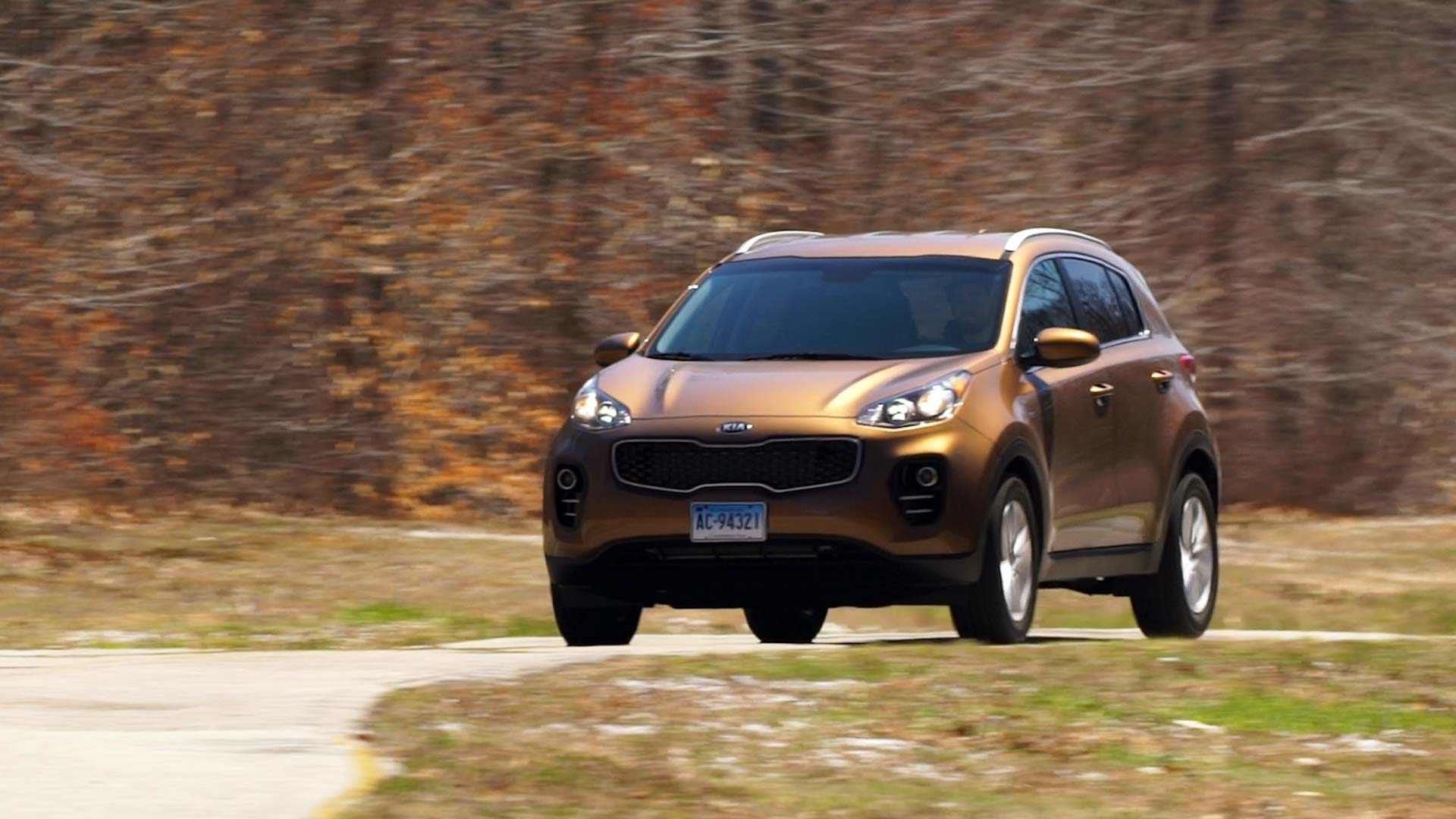 2017 kia sportage turns heads among small suv shoppers consumer reports
