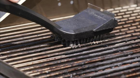 How to Clean and Maintain Your Gas Grill