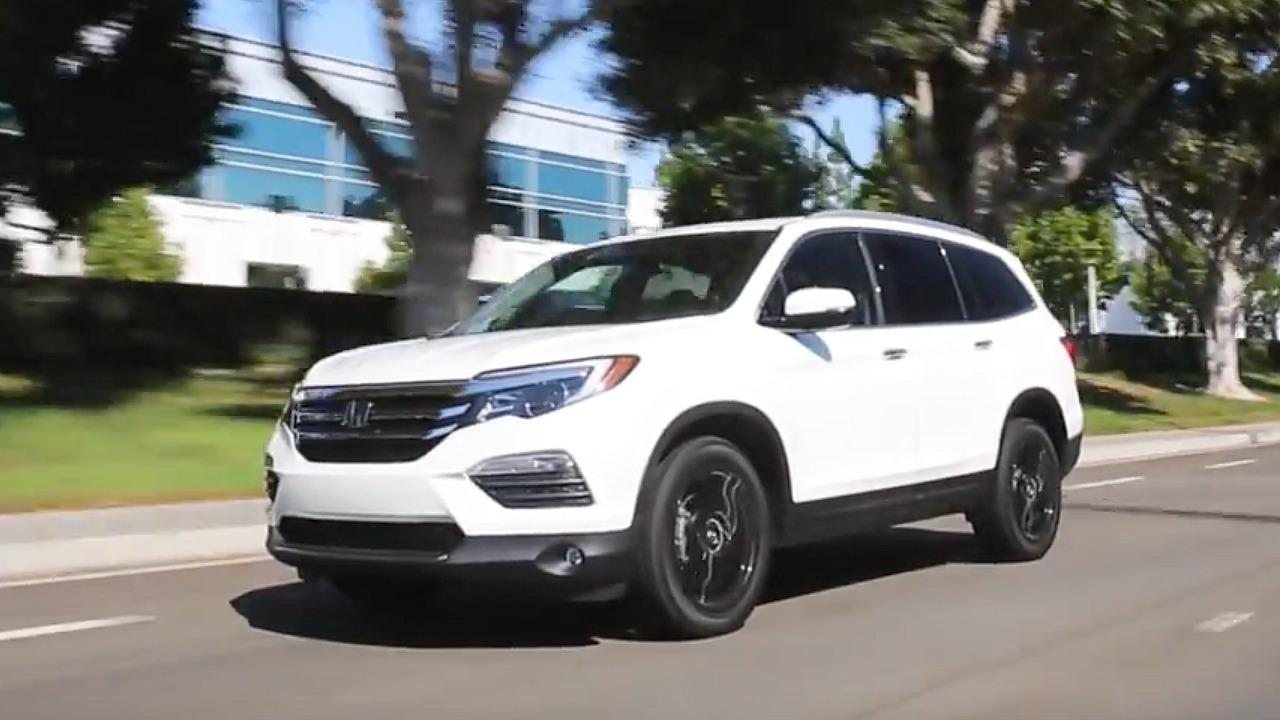 Kelley Blue Book Best Buys of 2017: Midsize SUV
