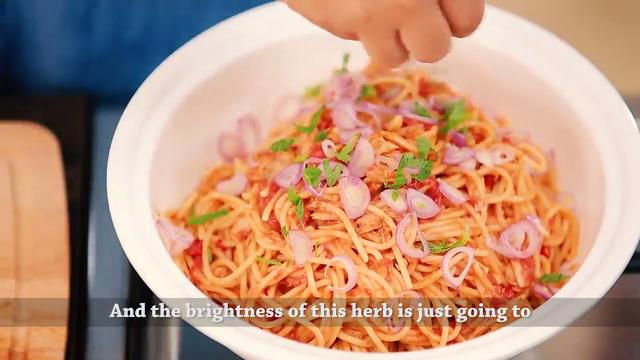One Pot Spicy Asian Tuna Pasta | Family Feast with Ili