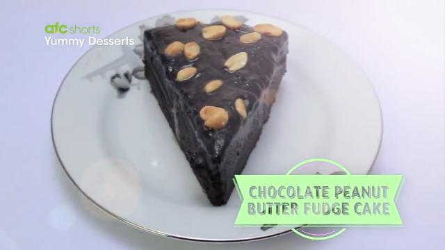 Chocolate Peanut Butter Fudge Cake | Yummy Desserts