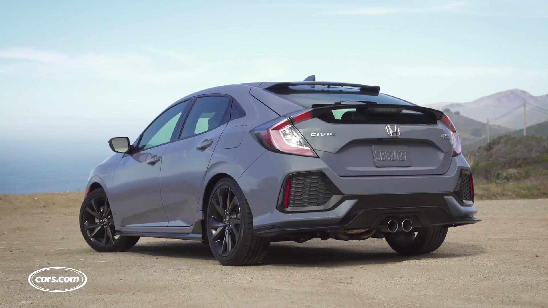 Cars.com's Brian Wong takes a first look at the 2017 Honda Civic Hatchback.